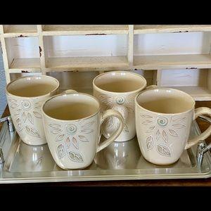 Pfaltzgraff Daisy Chain Set Of Four Coffee Mugs